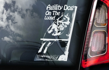 Agility Dog on the Loose Hondensticker voor op de auto  Per Stuk